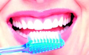 cepillado-dental-clinica-dental-denty-smile-chillan